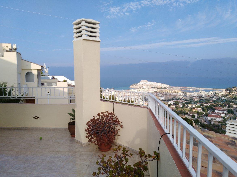 SE ALQUILA apartamento con vistas excepcionales al castillo de Peñíscola