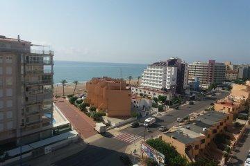 SE ALQUILA Apartamento con vista mar